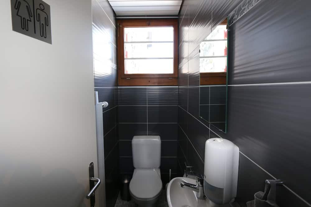 Comfort tweepersoonskamer, gemeenschappelijke badkamer - Badkamer