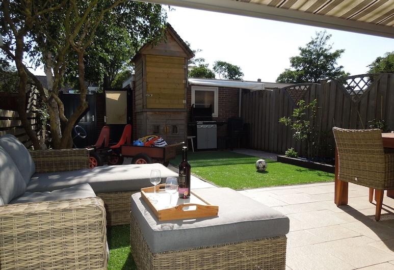 Attractive Holiday Home in Noordwijk With Sunny Garden, 諾德韋克, 花園