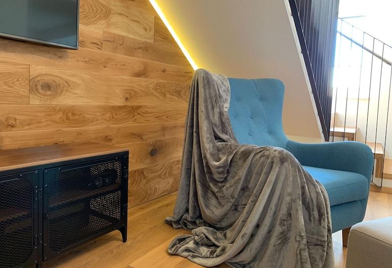 Luxury Apartment With Shared Sauna in Center Mariapfarr, Mariapfarr, Appartamento, Soggiorno
