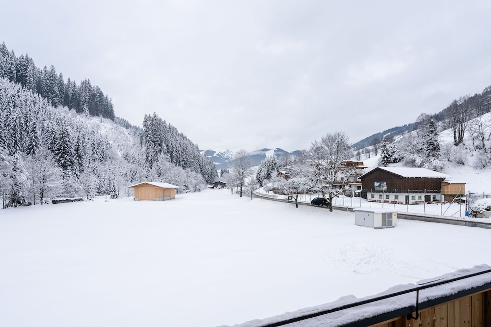 Lovely Chalet in Salzburg With Mountain View