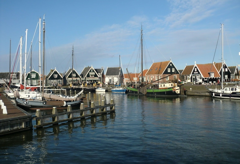 Stylish Apartment in Former Post Office With Wi-fi and Bicycles, Near Amsterdam, Marken, Tuin