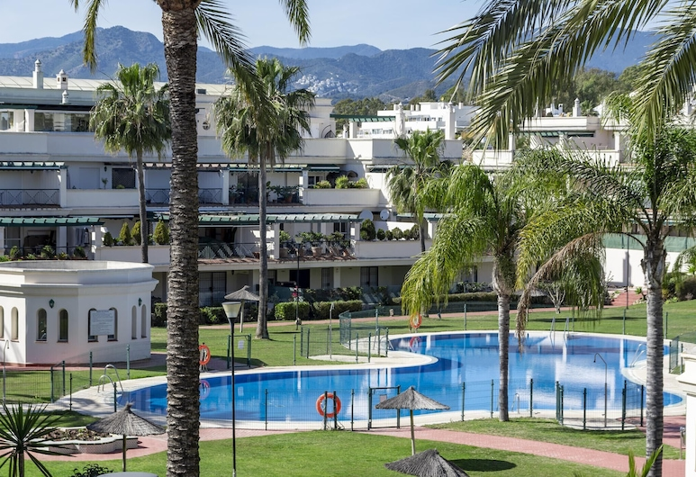 LCR4 - Large 3 bed apt close to beach, port, Marbella