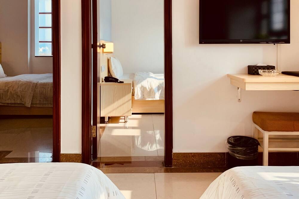 Business Quadruple Room - Guest Room