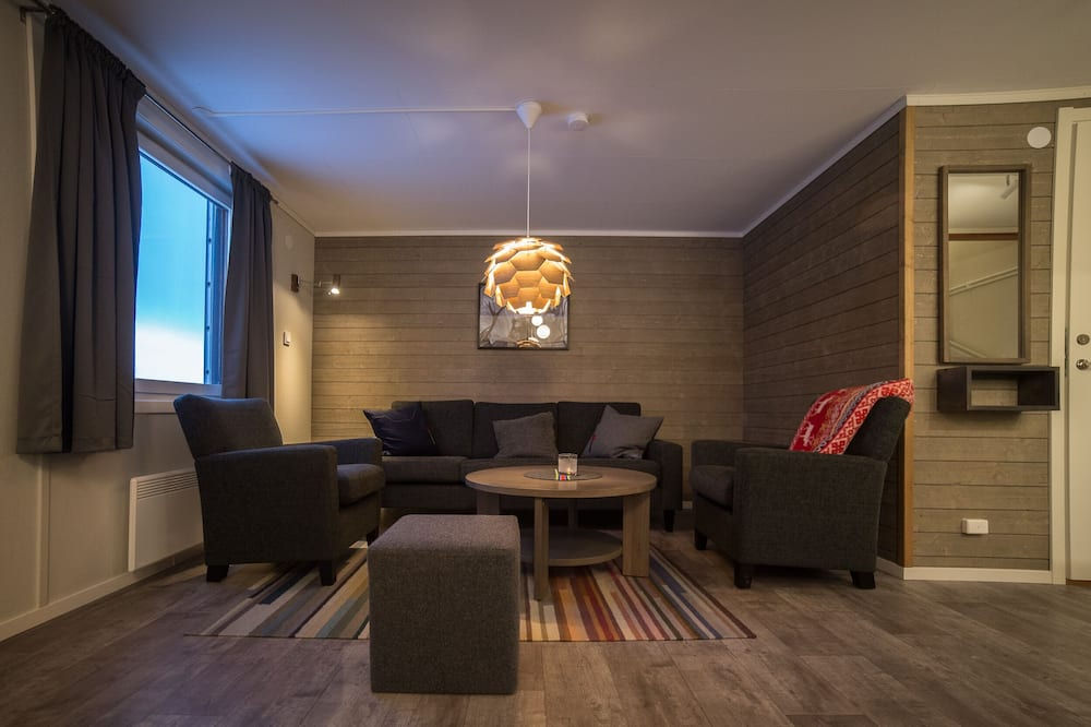 Superior Cabin, 2 Bedrooms (6 Beds) - Living Area