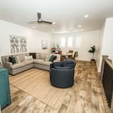 Townhome, 4 Bedrooms - Living Room