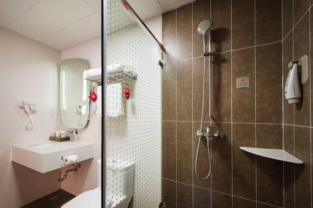 Pokoj Basic s dvojlůžkem, dvojlůžko - Koupelna