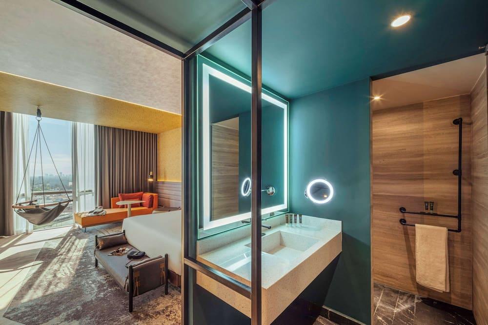 Улучшенный люкс, 1 двуспальная кровать «Кинг-сайз» - Ванная комната