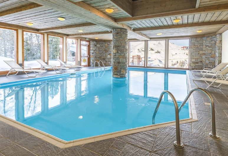 Hilltop Apartment Located Just 100 m. From the Slopes of Plagne, La Plagne-Tarentaise, Pool