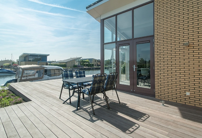 Comfortable House With a Private Jetty, in Lemmer, Lemmera, Māja, Balkons