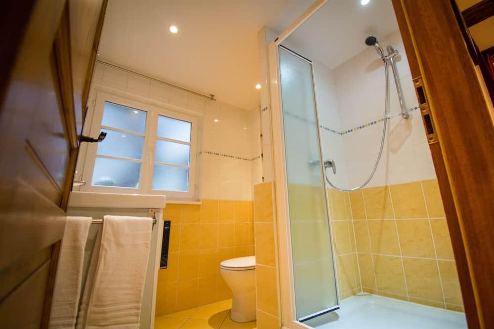 City Apart Daire, Banyolu/Duşlu, Avlu Manzaralı - Banyo