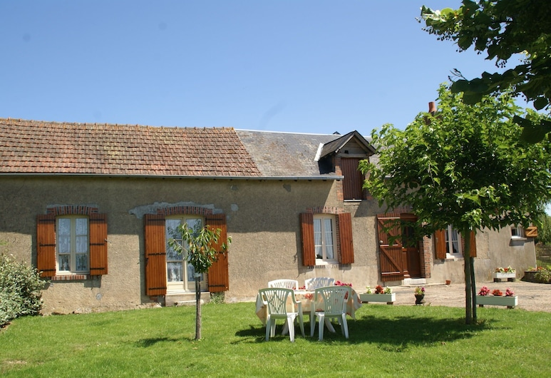 Rural House With Fantastic Views Over the Loire Valley, Pierrefitte-es-Bois, Garden