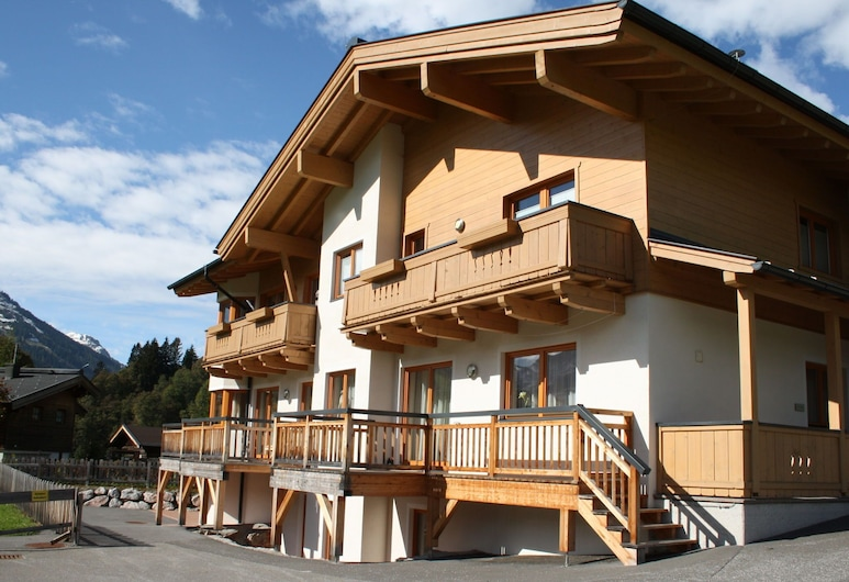 Spacious Apartment on Slopes in Saalbach-hinterglemm, Saalbach-Hinterglemm