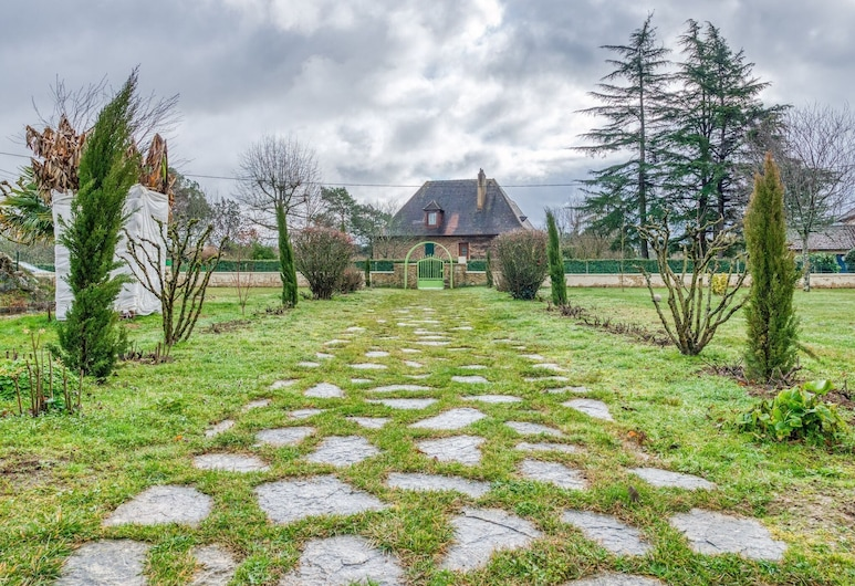 Accommodation With Pool and Large Garden Between Bergerac and Sarlat, Beaumont-du-Perigord, Garten