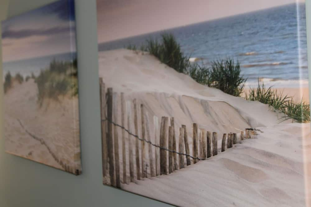 Charming Holiday Home in Egmond aan Zee Near Seabeach & Nightlife