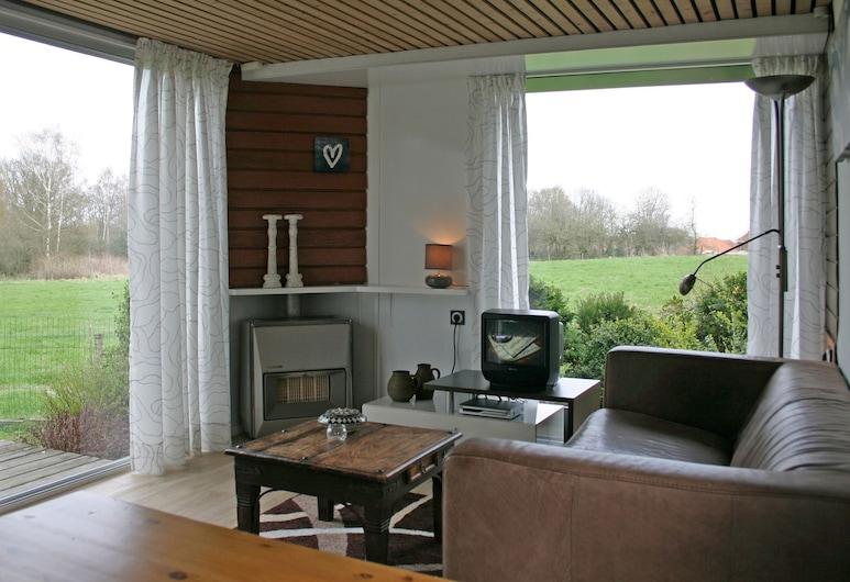 Garden-view Chalet With gas Fireplace in the Achterhoek, Ootmarsum, Chalet, Living Room