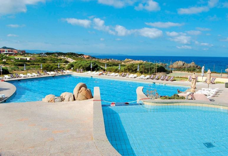 Residence Baia Santa Reparata, Santa Teresa Gallura, Infinity-Pool