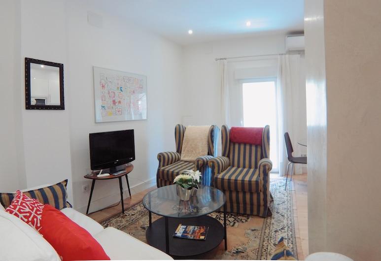 Bonito Apartamento exterior con A/C en Doña Berenguela, Puerta del Angel, Madrid, Apartment, Living Area
