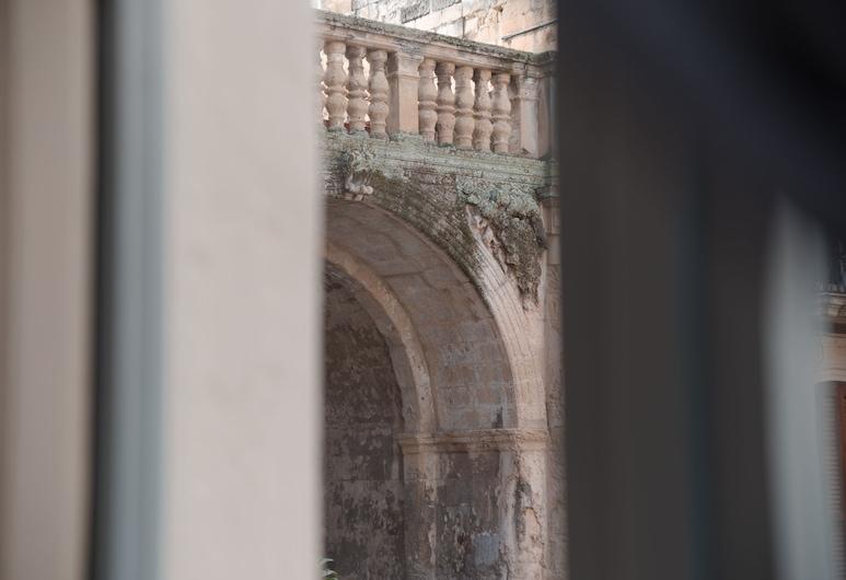 Litium 3, Lecce, Pemandangan bandar dari hartanah