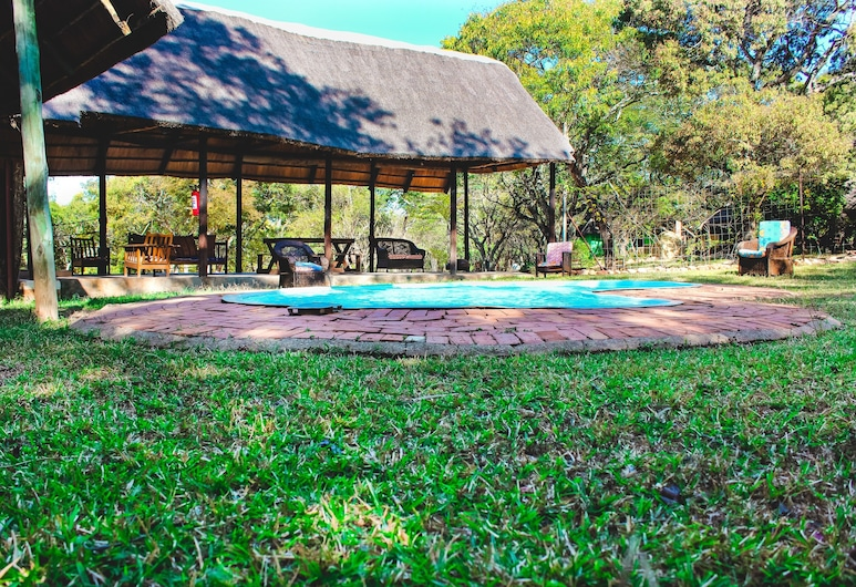 Pioneer Lodge Camp and Safaris, Lusaka, Zwembad
