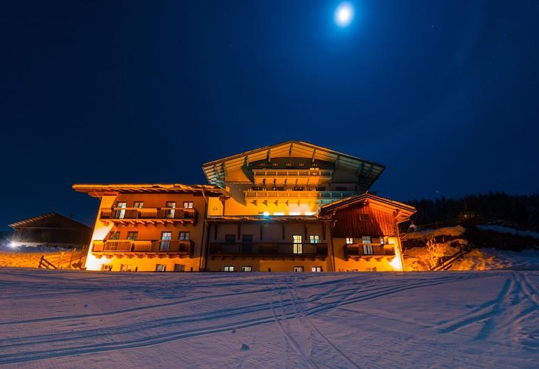 Hotel Widmoos by Skinetworks, Wagrain, Mặt tiền khách sạn - Ban đêm