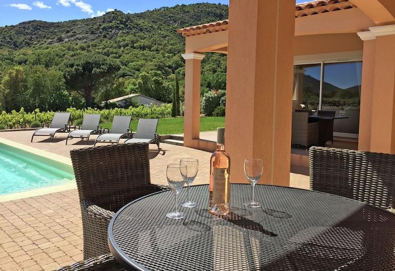 Quaint Holiday Home in Le Plan-de-la-tour With Pool, Plan-de-la-Tour, House, Balcony
