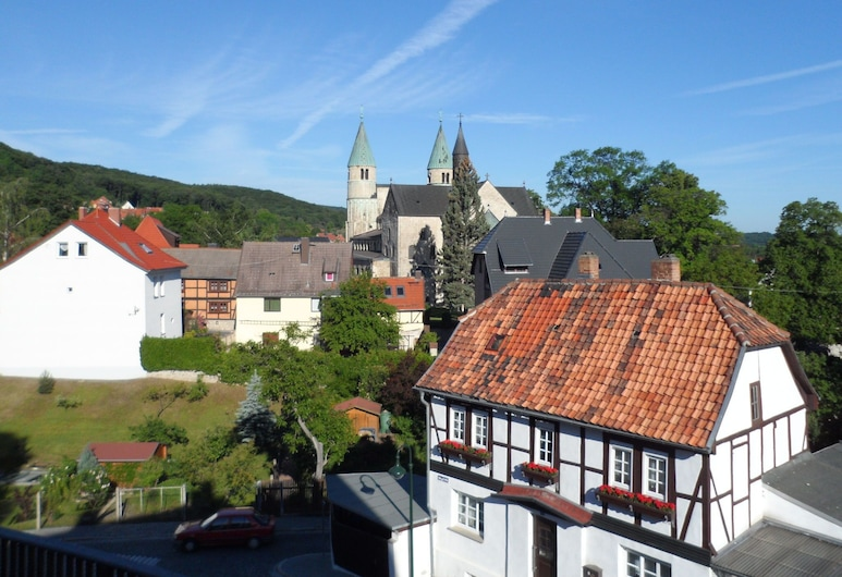 Apartment in Gernrode in the Harz With Amazing View of the Town, Quedlinburg, Esterni