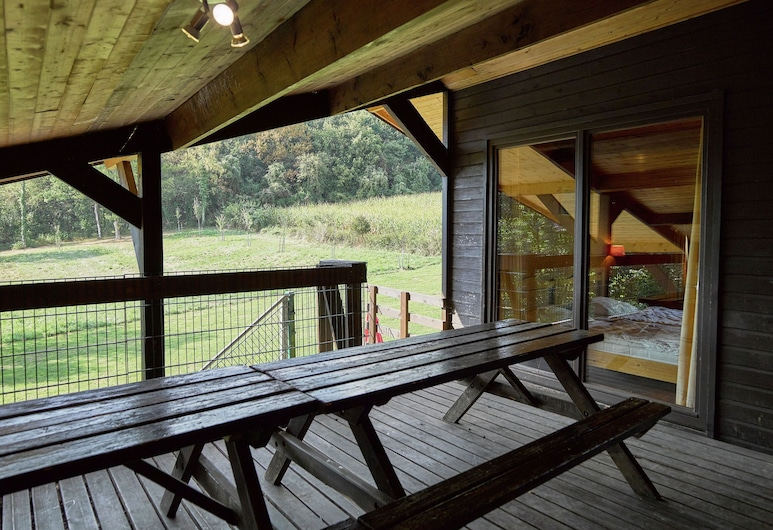 Beautiful Chalet Situated at the Edge of a Wood, Ане, Балкон