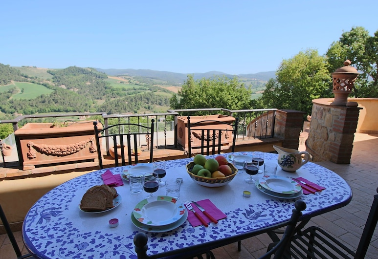 Mansion in Umbria With Swimming Pool, Garden, Terrace, BBQ, Collazzone, בית, מרפסת