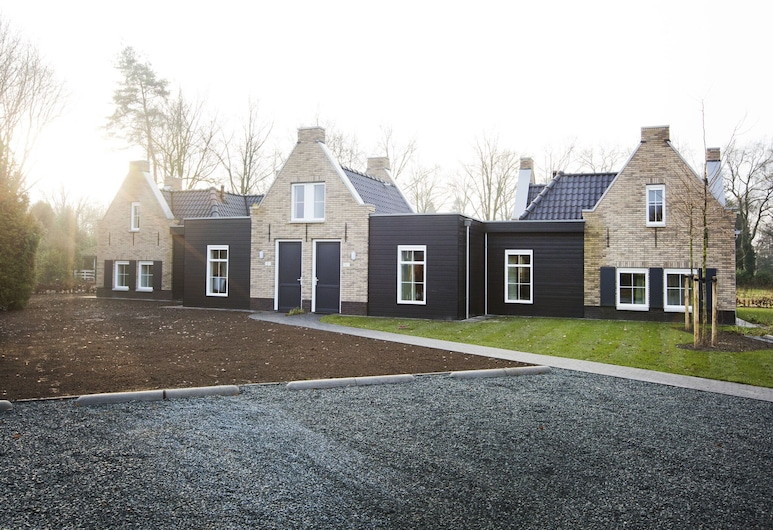 Attractive Group Accommodation With 10 Bedrooms and Bathrooms in Veluwe Region, 弗爾休珍