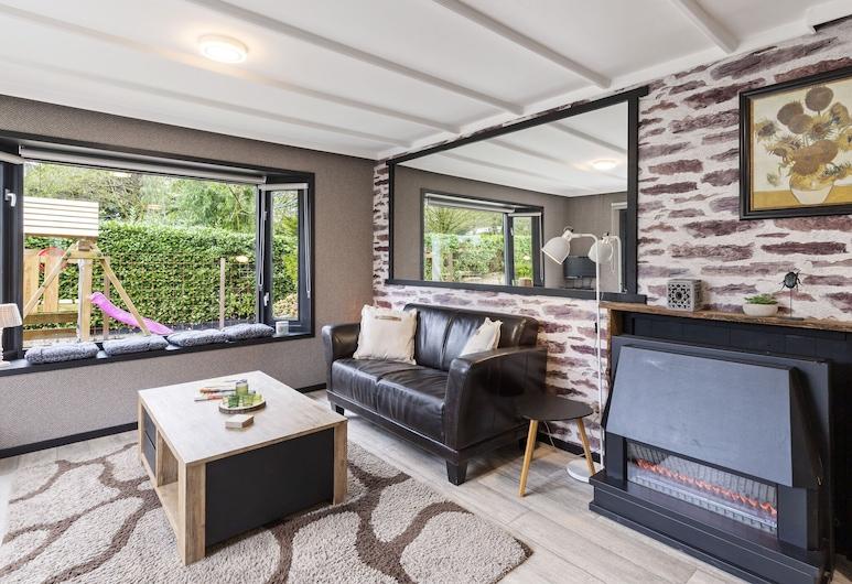 Scenic Chalet in Garderen With Private Garden, Garderen, Chalet, Living Room