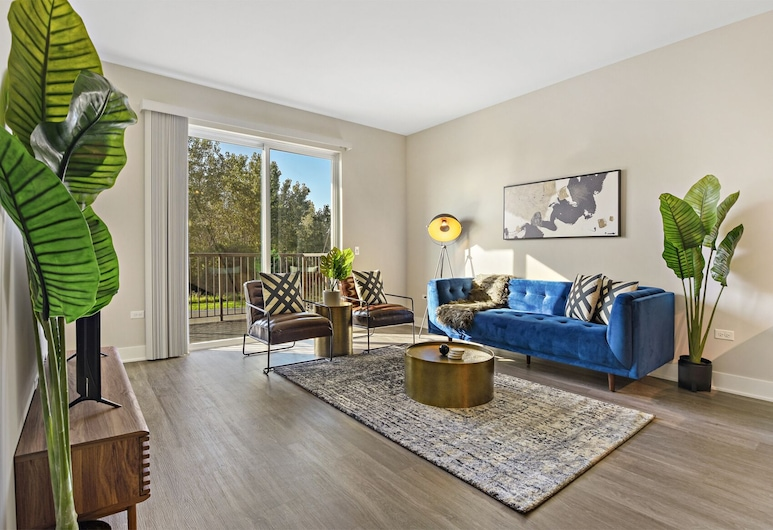 Bright Stylish 2Bd Oak Brook by Hostly, Oakbrook Terrace, Design lakás, Nappali rész