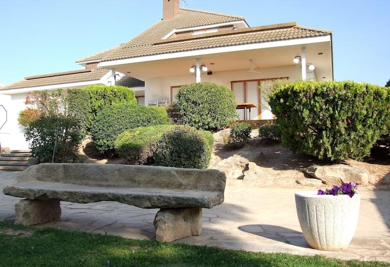 Spacious Holiday Home in Vilanova de Bellpuig With Garden, ビラノバ デ ベイプチ, 庭園