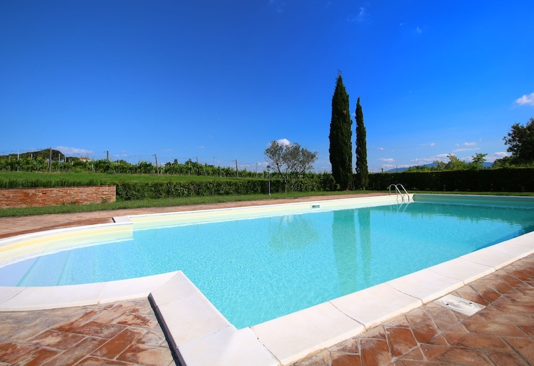 Cozy Farmhouse in Montepulciano With Pool, Montepulciano, Pool