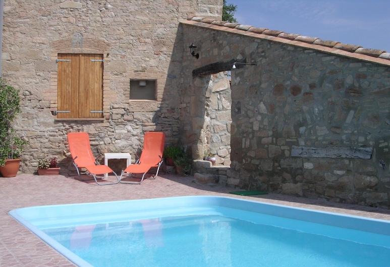 Graceful Cottage in St. Marti de Tous With Swimming Pool, Sant Marti de Tous, Pool
