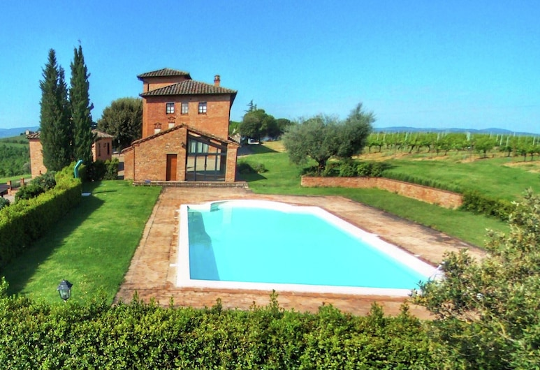 Amazing Farmhouse in Montepulciano With Shared Swimming Pool, Montepulciano