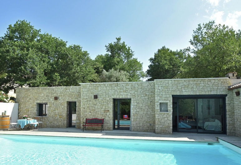 Luxurious Villa in Malaucène With Private Swimming Pool, Malaucene