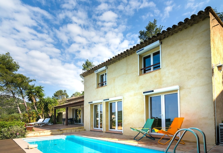 Nice House With Beautiful sea Views on the Peninsula of Hyeres, هيريه