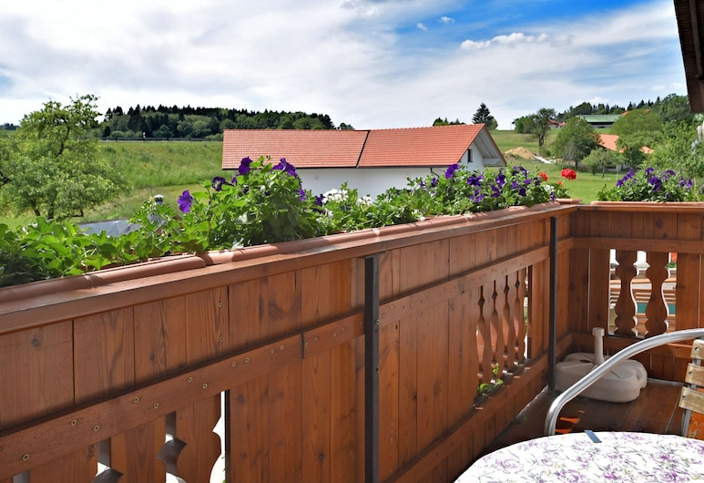 Small, Cosy Apartment in the Bavarian Forest in a Familiar Atmosphere, Sonnen, Balcón