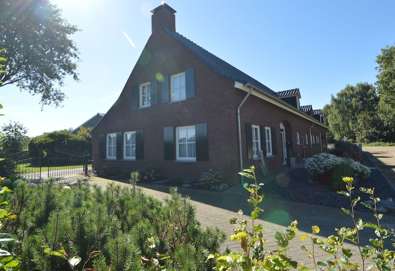 In Beautiful Rural Area Located Holidayfarm With Recreation Room and Garden, Veghel