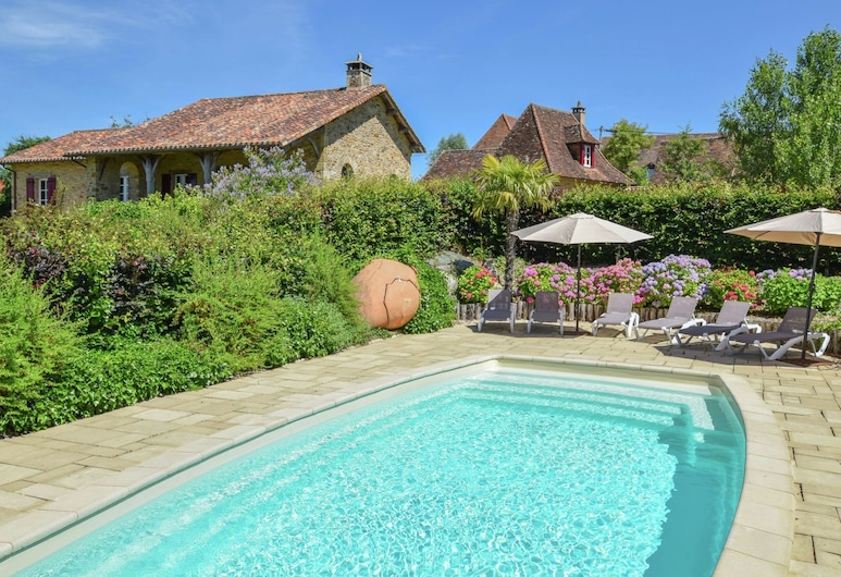 Luxurious Villa With Separate Guest House and a Private Heated Pool, Saint-Médard-d'Excideuil
