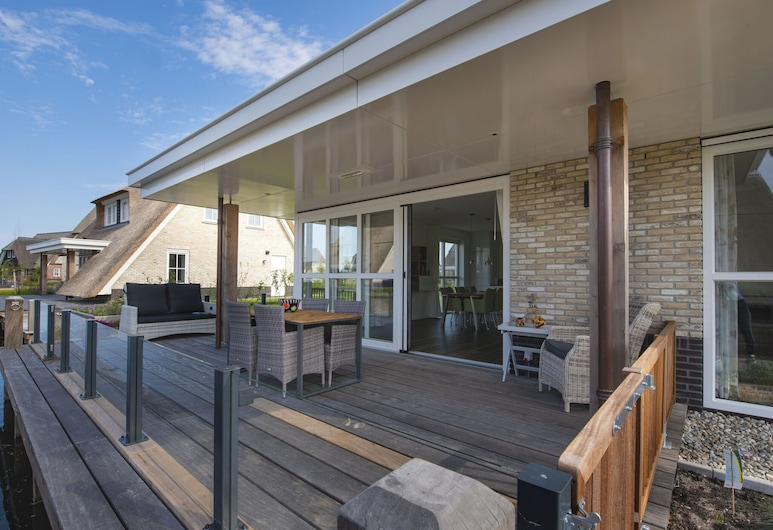 Beautiful, Chic Villa With a Fireplace at the Tjeukemeer, Delfstrahuizen, Villa, Balcone