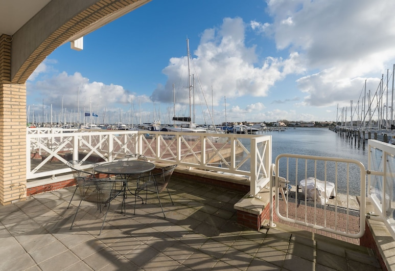 Luxurious 6-person Apartment in Grevelingenmeer Marina, Ouddorp