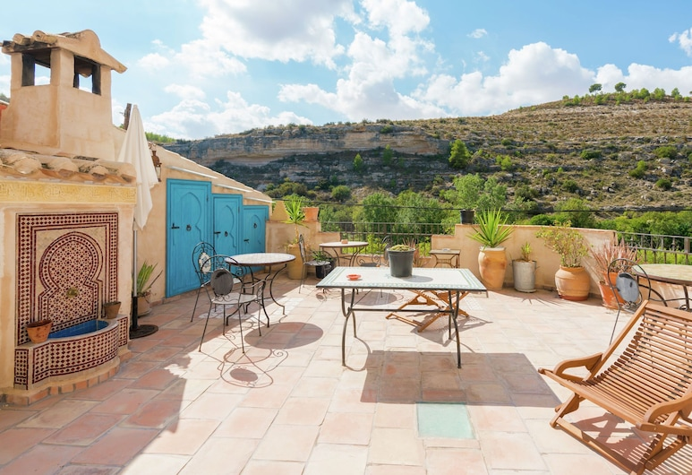 Country Cottage in Castile-la Mancha With Pool and Terrace, Jorquera