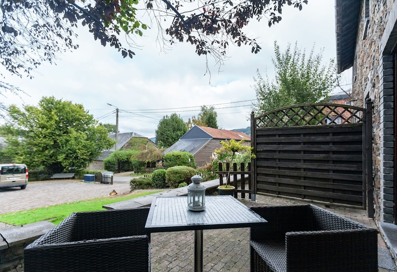 Charming Cottage in Stoumont With Colourful Garden, 斯圖蒙, 陽台