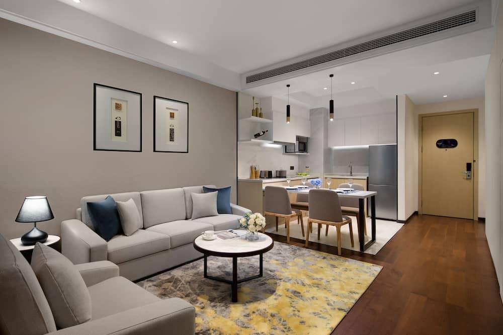 Deluxe Suite, 2 Bedrooms - Living Area