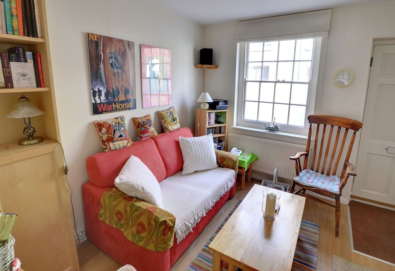 Quaint Holiday Home in Deal Kent With Terrace, Deal, Σπίτι, Καθιστικό
