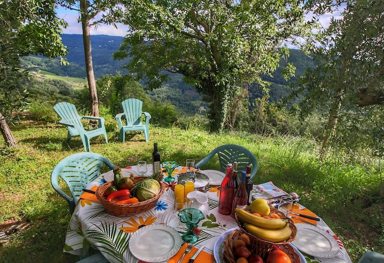 Luxurious Farmhouse in Rufina With Terrace, Rufina, Have