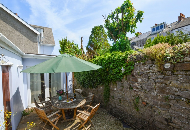 Modern Holiday Home in Tenby With Patio, Tenby, Balcone