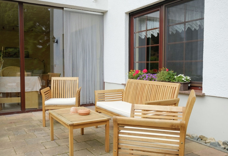 Beautiful Apartment in the Harz With a Terrace Directly on to the R1 Bike Path, Ballenstedt, Apartment, Balcony