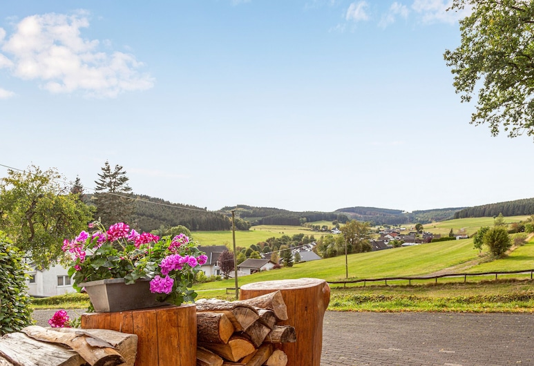 Vacation Home With Garden in the Beautiful Sauerland Region, Kirchhundem, Property Grounds